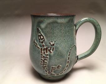 Lizard bones mug