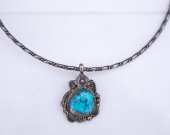 Vintage 1970s Southwestern Navajo Cerulean Blue Turquoise and Silver Necklace