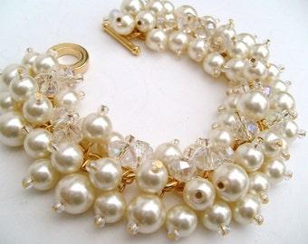 Pearl Beaded Bracelet, Ivory Pearl Bridesmaid Bracelets, Bridesmaid Jewelry, Custom Colours, Cluster Bracelet, Cream Pearl Bridal Bracelet