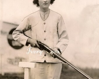 Shotgun Angry Woman Vintage Photo. Digital Download. Instant, transfer, image, lady, gun, rifle, sepia, mad, funny, female, #15/PAM