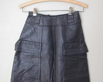 vintage black leather mini skirt XS 24