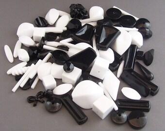 Assortiment de 100 perles Lucite Vintage noir et blanc / / perle Destash Mix