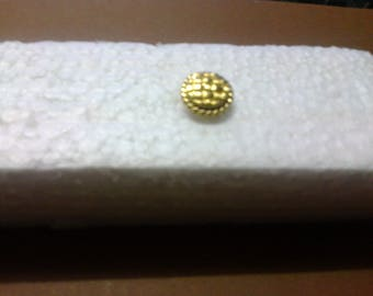 """Round gold button with shank """"OR2"""" embossing"""