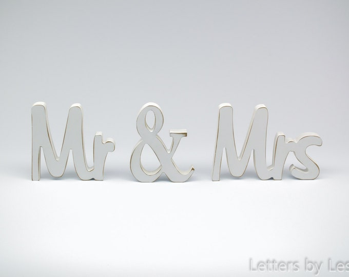 Mr & Mrs Wedding sign, Rustic wedding decor signs, Shabby Chic, Mr and Mrs, Wood sign, Wedding sign, Wedding Decor, Rustic sign