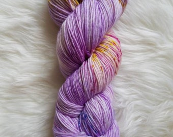 Macaroon-Fingering Weight Singles Yarn. 100% Superwash Merino Wool