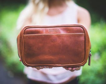 Leather Toiletry Bag // Leather Makeup Bag // Leather Travel Organizer