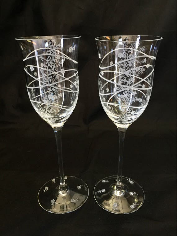 Hand Engraved Wine Goblets, Flowers, Housewarming, Home Decor, Toasting, crystal wine glass etched, Floral wine glass