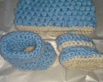 Newborn crochet hat and bootie set