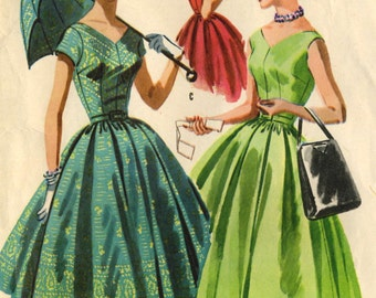 Vintage 1950s McCalls 3528 Misses Classic V Neck Cap Sleeve Sun Dress and Parasol Cover Sewing Pattern