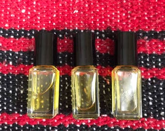 Roll-on itty-bitty perfume oil