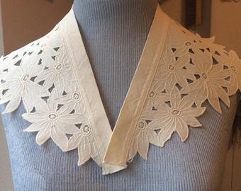 Vintage white cotton detachable collar