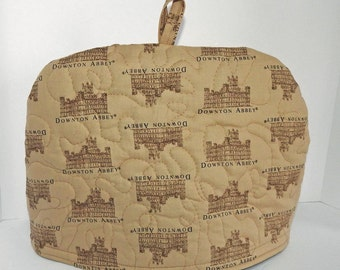 Downton Abbey - Quilted Dome Tea Cozy with Trivet