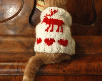Christmas Cat Vest with Reindeer, White cat clothes, Warm cat sweater, Hand knitted vest for cat, Clothes for pet, Holiday clothes for cats