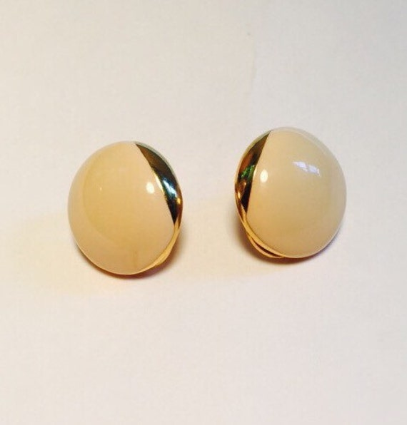 Large Vintage Gold and Cream Mid Century Clip-On Earrings - Retro Clip-On Earrings