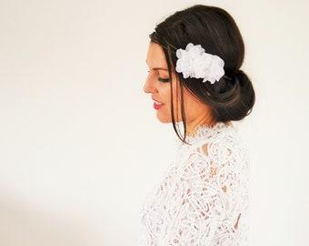 Accessoire cheveux mariage fleurs blanches mariée bohème, headband mariée ou demoiselles d'honneur mariage champêtre bohème