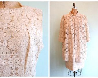 Vintage 1960's Ivory Colored Spiderweb Lace Dress Set | Size Large