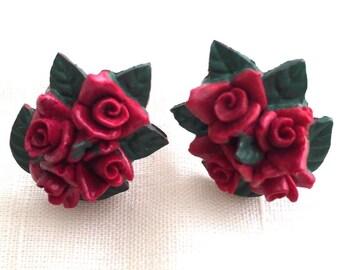 Vintage Japan 1950's Rose Flower Screw Back Earrings Red Green Stamped
