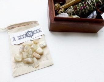 Moon kit//Teakbox Smudge kit//Fertility kit//Cedar smudge stick//Rose quartz/Selenite/Essential oil blend/Golden Healer//Ruby
