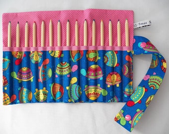 pencil roll with little turtles