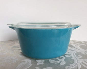 Vintage Pyrex Blue Round Casserole Dish with Lid # 474 1.5 Quart Horizon Blue 1970's Retro Kitchen Decor Cookware