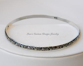Scroll leaf patterned sterling silver bangle bracelet