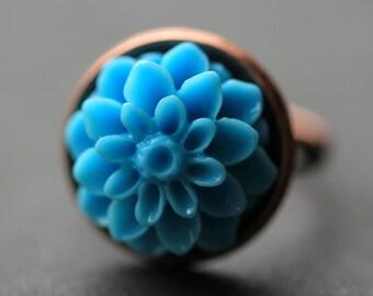 Baby Blue Mum Flower Ring. Sky Blue Chrysanthemum Ring. Baby Blue Flower Ring. Sky Blue Ring. Adjustable Ring. Handmade Flower Jewelry.