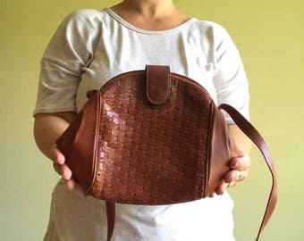 Vintage Woven Brown Leather Shoulder Bag