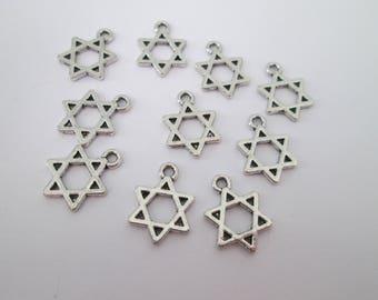 20 breloques étoiles 15 x 10 mm en métal argenté