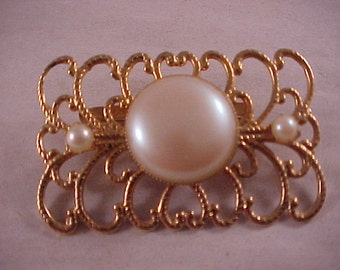 Gold and Faux Pearl Brooch