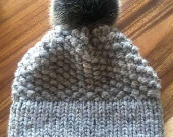 Hat with Pompom. Adult