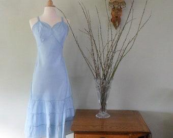 Swanky 1940s Full Slip in Baby Blue    Size 36