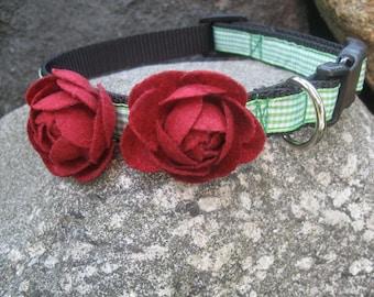 Rose Dog Collar, Felt Flower, Small Dog Collar, Pretty Dog Collar, dog collar for girl, female dog, green dog collar, flower dog collar