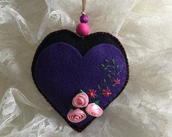 Heart gift card holder, felt Christmas ornaments, felt heart ornaments, Valentine's Day gifts