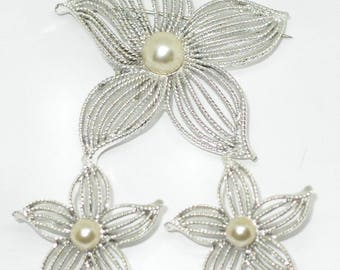 2 Pc Gorgeous Vntg Sarah Coventry Large Faux Pearl Flower Pin & Earrings Set