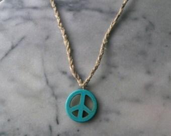 10 Dollar SALE/ LG Peace Sign Necklace