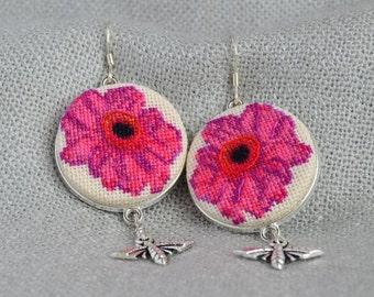 Flower earrings Cross stitch jewelry Prom earring Embroidered earrings Magenta jewelry Raspberry flower jewelry Bee charm jewelry Women gift