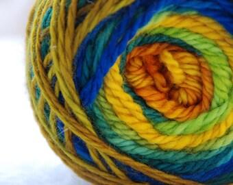 Yarn, handdyed, 100% SW Bfl colour Kreta, selfstriping