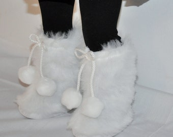 White fur boots  that fits AMERICAN GIRL dOLLS