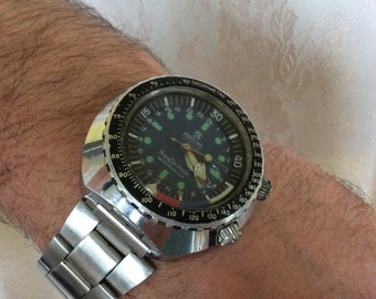 Divers Watch - MORTIMA SUPER DATOMATIC * Made in France * 21 Jewels * Waterproof 100% * Stainless Steel Case * Circa 1960's Era