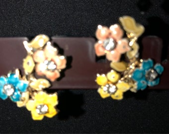 Vintage flower clip on earrings