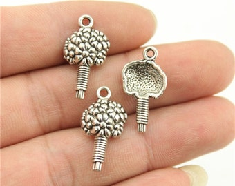 6 Flower Charms, Antique Silver Charms (1L-165) NEW2