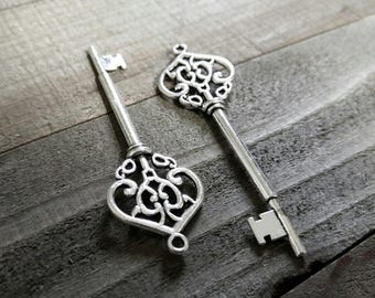 Silver Key Pendants Skeleton Keys Silver Skeleton Keys Wedding Keys Steampunk Keys Old Fashioned Keys Big Keys Large Keys