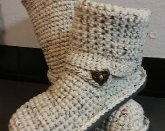 """Crochet Boots """"Oatmeal Cookie"""" Sweater Boots size Large(8.5-10) """"4in1"""" style (Oatmeal color with multi-color flecks) Crochet Slippers Knit"""