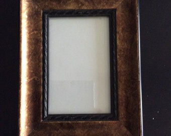 Vintage Ornate Hand Made Wood Picture Frame - 10x7 Inch Frame