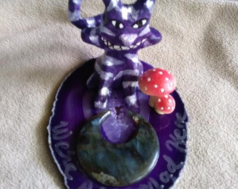 We're all mad here - Cheshire cat sculpture on agate