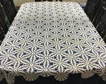 Vintage Ecru Crochet Tablecloth Pin Wheel flowers 70 x 86  TC51