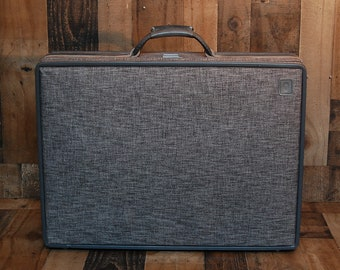 Vintage Gray Hartmann Tweed and Leather Luggage, suitcase, vintage Hartmann tweed suitcase, leather handle, latches, lock in great condition