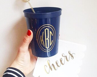 Monogrammed plastic cups, Wedding stadium cups, reception favors, reception cups, personalized cups, circle monogram party cups