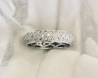 14kt white gold pave diamond ring