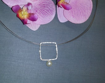 Hammered pendant with Pearl 925/00
